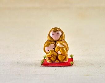 Three wise monkeys (三猿), three mystic apes figures, see no evil, hear no evil, speak no evil -  tiny lucky charm. Made of ceramic.