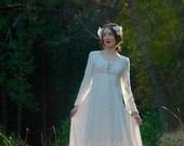 1970s Vintage Cotton and Lace Wedding Dress... Gunne Sax Style Bridal... Dream Dress