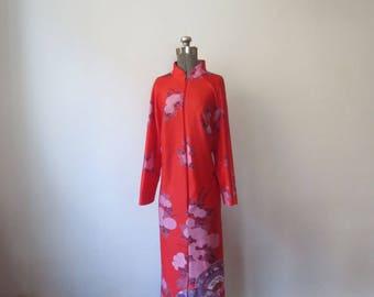 Vintage '70s Ann Hodge for Millicent Asian Inspired, Mandarin Collar, All-Over Print, Full Length Housecoat / Robe, 2X
