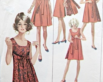 Vintage Simplicity 8125 Sewing Pattern, 1960s Dress Pattern, Reversible Dress, Sleeveless Dress, 1960s Sewing Pattern, Bust 31.5 to 32.5