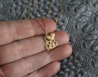Vintage 14KT Yellow Gold Necklace With I Heart / Love You Mom Pendant