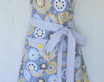 Plus Size Apron, Gray and Yellow Apron Floral Apron, Polka Dots, Retro Style, Womens Apron, Vintage Inspired, KitschNStyle