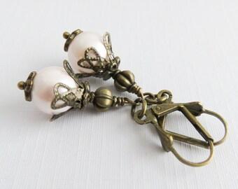 Light pink pearl earrings, dangle earrings, rustic wedding jewelry, bridesmaid jewelry, leverback, gift for her, romantic earrings