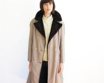 vintage women fake fur trim trench coat warm coat winter coat// small medium