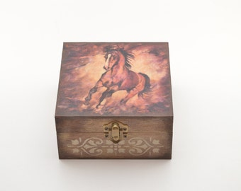 Brown horse jewelry box, wooden jewelry box, decoupage box, jewelry box, shabby chic box, horse box, home decoration, art box, horse