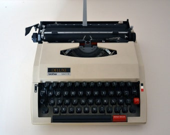 Vintage BROTHER DELUXE 660 TR typewriter / in perfect working condition