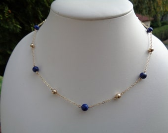 Chain in 585 gold filled with lapis lazuli