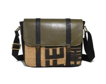Handbag with shoulder strap military green leather and juta; eco-friendly