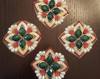 Kundan rangoli - 4 petal design