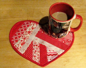 Valentine Mug Rug, Quilted Valentine Mug Rug, Valentine Mini Quilt, Mini Heart Shape Quilt