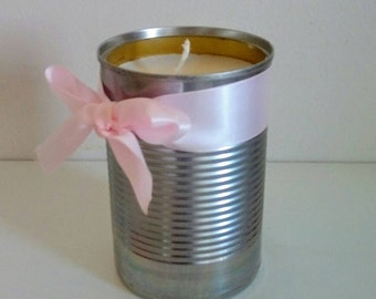 Personalized scented vanilla candle. Candle with colza wax, candle gift, white candle, recycled can