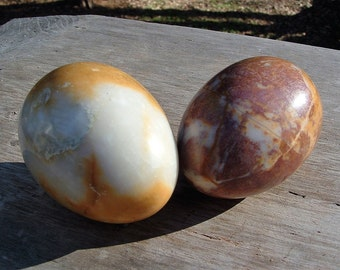 "ZERO SHIPPING! Vintage Pair of Polished 3"" Marble Eggs - Beautiful Variegated Cream & Brown - Easter - Symbol of New Beginning"
