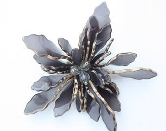 Resin Flower Brooch, Resin Flower Pin, Plastic Flower Brooch