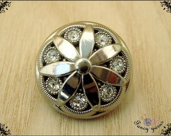 5 silver buttons. with 7 rhinestones, mm. 20