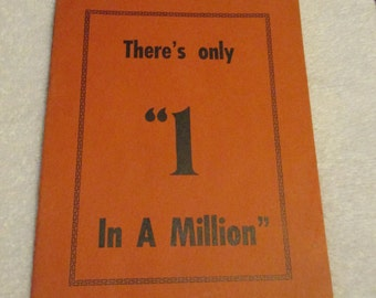 """Rare 1930s Tiny Troupers of Hollywood """" There's Only 1 in a Million"""" Book / Circus Side Show / Midgets (z14)"""