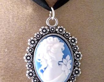 Victorian cameo pendant has