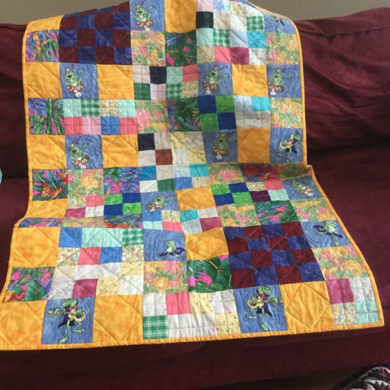 Toddler or baby quilt, vintage, frog, yellow, gold,