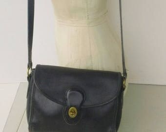 small sz vintage black leather coach purse