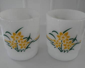 2 X Vintage Milk Glass Mugs Termocrisa