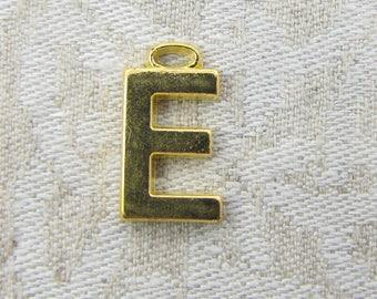 "Gold Wide Sans Serif Letter ""E"" Charm, 1 or 5 letters per package  ALF005e-GL"