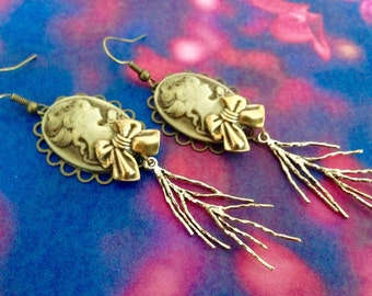 Victorian cameo lady Brown node branching lightning earrings