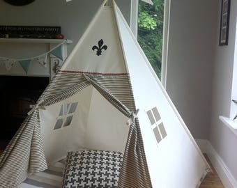 Kids teepee with fleur de lis design. Handcrafted in Ireland and shipped worldwide. All Poles included!