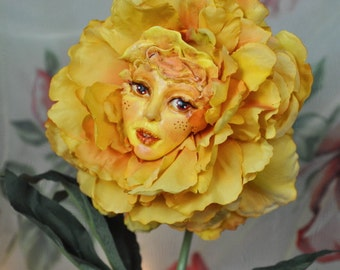 """Alice in Wonderland Talking Flowers """"GOLDEN PETALS"""" by Sutherland New Second Edition 2016"""