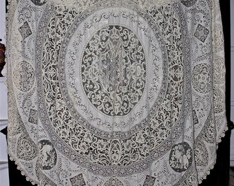 """c'19th Century Cantu or Milanese Bobbin Lace Round Tablecloth Throw Figural Medallions, Filet Lace Inserts Italian Drawnwork 104"""" D"""
