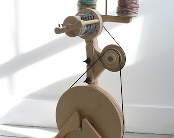 Pollywog SpinOlution Spinning Wheel With Accelerator - Starter Spinning Wheel