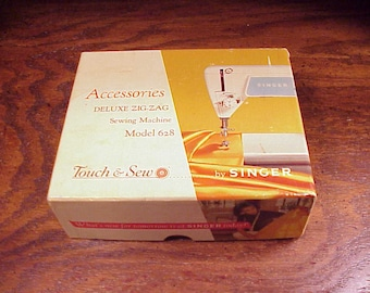Box of Singer 628 Sewing Machine Attachments Parts, 7 Discs, 3 Feet, 2 Throat Plates, Vintage Sewing, Fashion Cams, Zig Zag, Black Hat