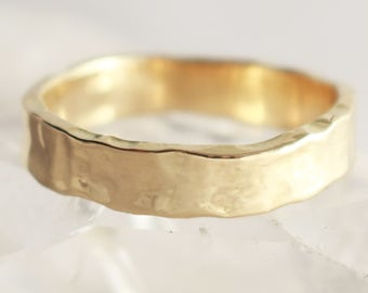 Welsh Gold and Recycled Gold 5mm Glacier Wedding Ring