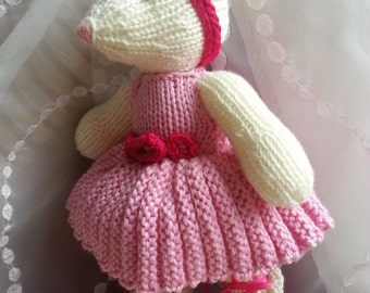 Ballerina Mouse.   Miss Millie Mouse the prima ballerina!  Hand Knitted with love for you to treasure.