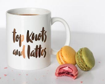 Top knots & lattes mug