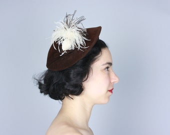 Vintage 1940s Hat   40s 50s Brown Velour Cap with White Ostrich Plume