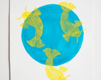 Poster linogravee rising sun turquoise and yellow fish