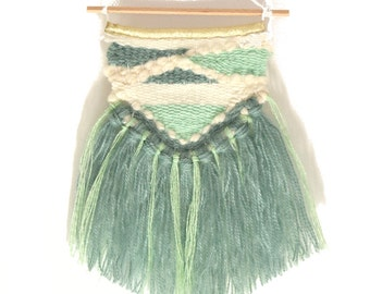 Mini weaving, woven suspension ecru and green smoke/mint