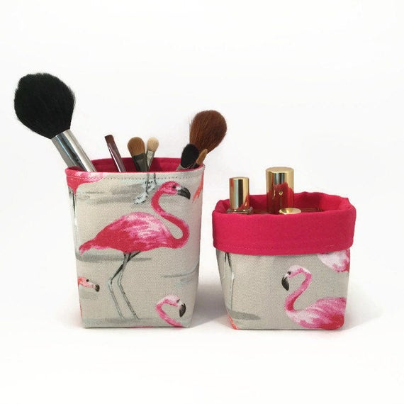 panier de rangement maquillage organisateur flamant rose. Black Bedroom Furniture Sets. Home Design Ideas