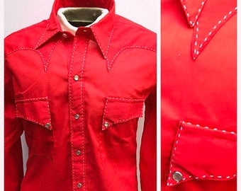Large. 1970s Western Shirt. 70s Cowboy Shirt. Rockabilly Shirt. Pearl Snaps. Red Rockmount Western Shirt. Size Large Cowboy Western Shirt