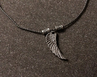 Simple Wing Necklace