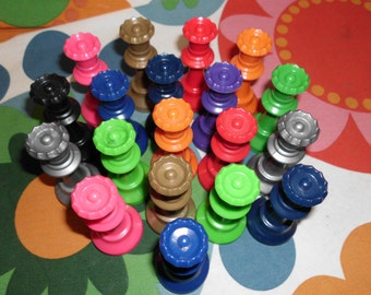 19 Staunton Chess Pieces Queens 11 Colors 3""