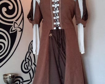T42/44 COTTAGE MEDIEVAL DRESS