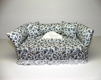 Blue Flower Designer fabric tissue box cover.