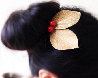 Japanese Autumn. Beeren & Blätter Haarnadel, *free shipping* wooden beads paper leaves hairpin, u-shaped, gold, red, Weihnachten, eyecatcher