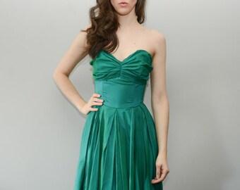 1950s Party Dress. 1950s Dress, 1950s Rockabilly Dress, Pin up Dress, Sharkskin Dress, Pleated, Cocktail, Party, Evening Dress. Size small.