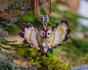 Rainbow eyed Owl necklace, Owl pendant, Owl jewelry, glass owl necklace with spread wings, glass jewelry