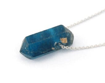Apatite stone necklace on recycled 925 sterling silver- Apatite is a motivational stone, promoting independence and ambitiousness -