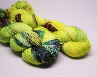 Alien - Ballpoint Sock fingering weight 80/20 superwash merino nylon hand dyed speckled variegated yarn - 400 yards