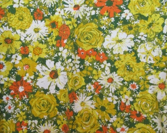 """Vintage Tablecloth ~ GROOVY FLORAL, Sunset Roses, Daisies, Fallani & Cohn  ~ 51"""" x 66""""  ~ Late Mid Century, 1960s - 1970s"""