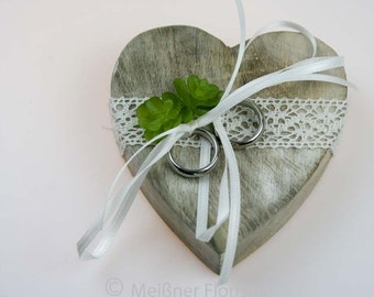 Small wood heart ring pillow cream green vintage