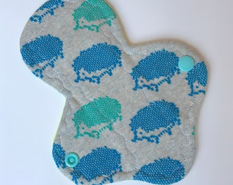 "6.75"" *narrow* Reusable Menstrual Pad, light"